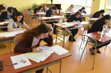 Ebből a négy témából választhattak a szlovákból írásbeliző magyar diákok
