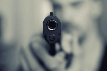 Gépfegyverrel lövöldözött a horvát kormány épülete előtt egy férfi, egy rendőr megsebesült