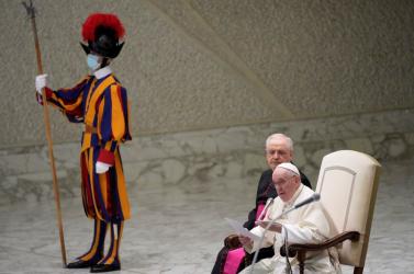 Azt hitte a pápa, hogy Merkelt idézi, közben meg Putyin szavait ismételte meg