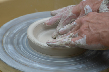 Kreatív munkát keresel és érdekel a kerámiakészítés? Most kipróbálhatod magad!
