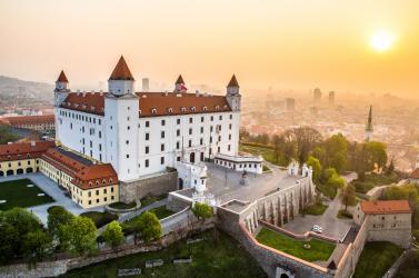 Pénteken jobban teszed, ha az ingyenes tömegközlekedéssel utazol Pozsonyban