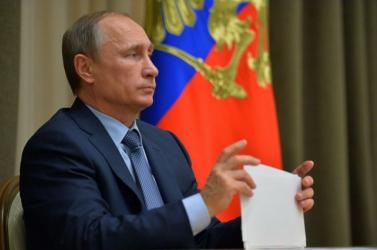 Putyin egyhetes munkaszünetet rendelt el Oroszországban a koronavírus-járvány miatt