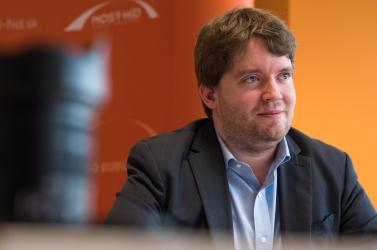 Ravasz Ábel többé nem tagja a Híd elnökségének, de marad a pártban