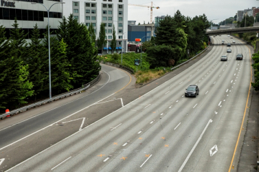 Tüntetők csoportjába hajtott autójával egy férfi Seattle-ben!
