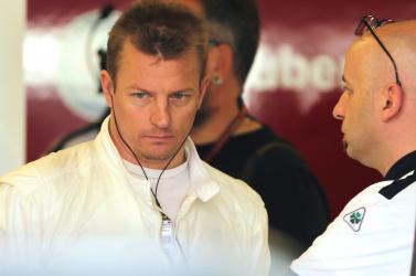 Räikkönen benyalva produkálta magát a FIA-gálán!