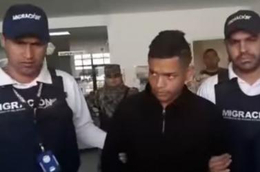 Tizenöt rendbeli gyilkossággal vádolnak egy 18 éves bérgyilkost!