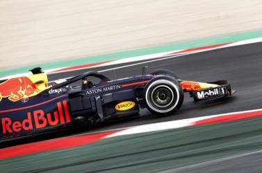 Maradnak a versenyzők a Forma-1-es Red Bullnál és Toro Rossónál