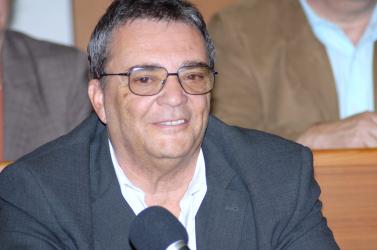 A pótválasztásokig Pázmány Péter marad a polgármester