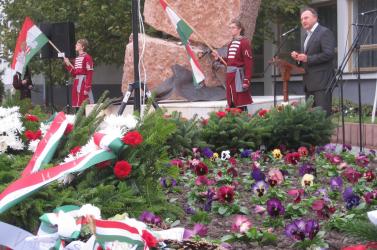 Csáky: Soha nem az árulók maradnak fenn a történelem rostáján