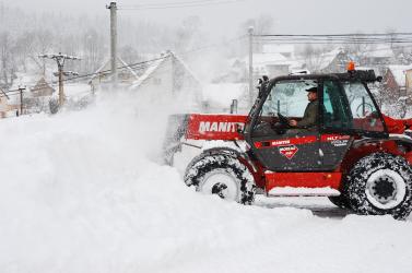 Megint meglepődtek a havazás miatt, lebénult a közlekedés