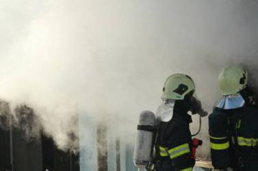 Hatalmas tűzvész a komáromi kikötőben - kilenc hajó vált a lángok martalékává