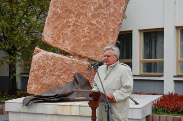 Duray Fico nyomdokaiban elmeszelte Magyarországot
