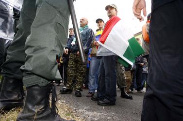 A csallóközieken csattan a magyar zászló is?