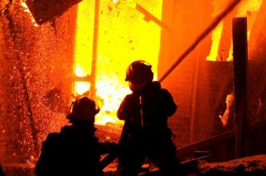 TŰZESET: Lángok pusztítottak az autószervizben