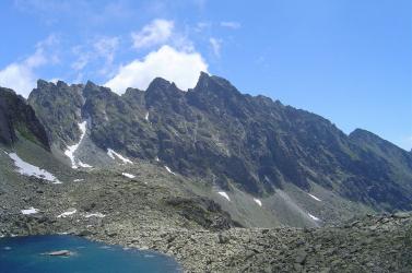 500 métert zuhant a hegymászónő