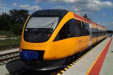 Egy férfi esett a RegioJet vonata alá Kispakánál!