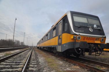 Késnek a vonatok Dunaszerdahely és Pozsony között, mert valaki a vészfékkel szórakozott!