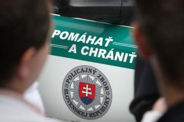 Átverték az idős férfit, több mint 9 ezer euróval léptek meg a csalók