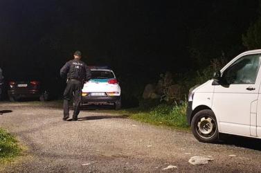 Órát, nyakláncot, mobilt és pénzt rabolt a Csorba-tónál lövöldöző férfi