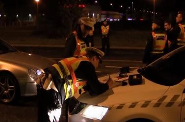 Need For Speed Budapesten: gyorsulási versenyre csaptak le a zsaruk!