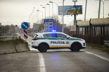 Újabb három embert büntettek meg, mert nem maradtak karanténban