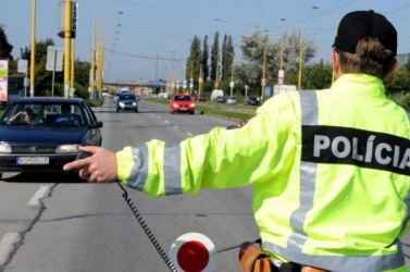 Egy nap alatt 14 szabálysértést lepleztek le a Galántai járásban