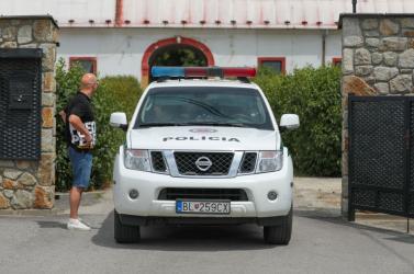 300 ezer eurót fizethetett a zsaruvezetőknek egy vállalkozó, hogy a saját cégénél tartsanak razziát!