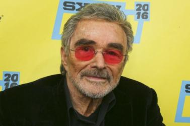 Több mint háromszázezer dollárért kelt el Burt Reynolds Pontiacja