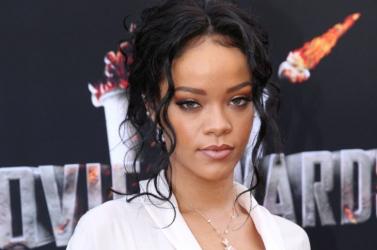 Rihanna két férfival pucérkodott (FOTÓ)