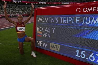 A női hármasugrás világcsúcstartója a 16 métert veszi célba