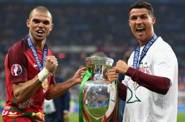 Ronaldo és Pepe ishelyet kapotta címvédő portugálokEb-keretében