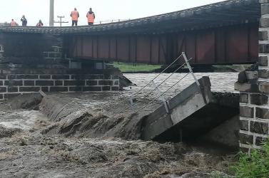 Összeomlott egy vasúti híd a transzszibériai vasútvonalonaz intenzívesőzések miatt