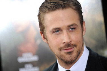Ryan Gosling Neil Armstrong szerepében tűnik fel a filmvásznon