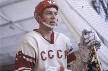 Elhunyt az oroszok hokilegendája