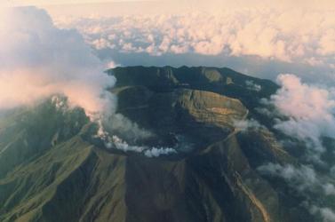 40 éve szunnyadó vulkán kezd ébredni, evakuálják Saint Vincent lakosait