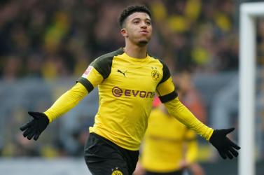 Jadon Sancho marad Dortmundban