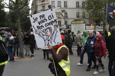 Kisebb számban, de ismét tüntettek a franciaországi sárgamellényes mozgalom tagjai