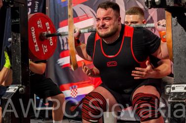 Kiválóan teljesítettek a dunaszerdahelyi erőemelők a szlovák bajnokságon, új szlovákiai csúcs is született!