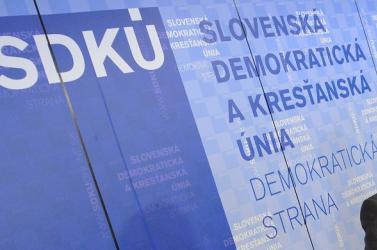 Még mindig nyomoznak az SDKÚ pártfinanszírozása ügyében