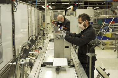 Koronavírus: Lélegeztetőgépek gyártásába fogott a Seat