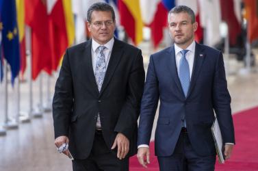 Pellegrini Šefčovičból akar pénzügyminisztert csinálni?