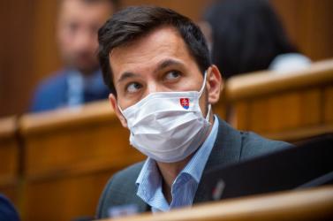 Šeliga panaszt tett az ĽSNS képviselői ellen,mert nem viseltek szájmaszkot
