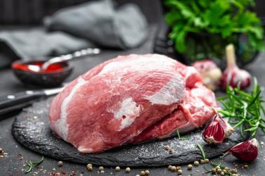 A Szlovák Élelmiszeripari Kamara (Potravinárska komora) adatai alapján az országba érkező import élelmiszerek részaránya 60% a boltok polcain