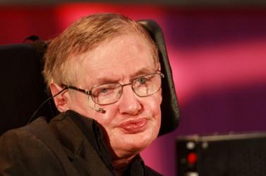 Stephen Hawkingra emlékezik az új brit 50 pennys (FOTÓ)