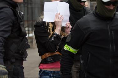 Lesittelték a szlovák nőt, aki levizelte és felgyújtotta a Koránt és megfenyegette Čaputovát
