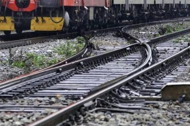 Személyszállító vonatok ütköztek össze a szomszédban