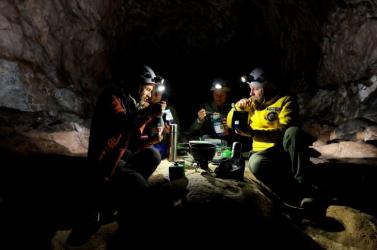 Negyven napot töltöttek egy sötét barlangban egy tudományos kutatás résztvevői