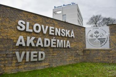 Dilettáns módon alakították át a Szlovák Tudományos Akadémiát