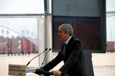 Pénzmosással és adócsalással vádolják a volt szocdem kormányfőt