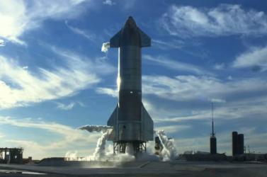 Első alkalommal indult Föld körüli pályára kizárólag amatőr űrhajósokból álló személyzettel SpaceX